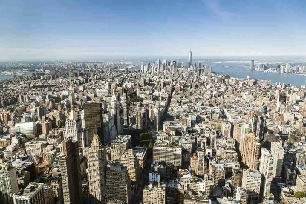 View of Manhattan   www.thisisriveredge.com