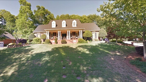 house at 219 walnut trace court simpsonville sc 29681