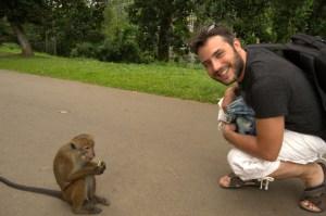 Saludando al mono