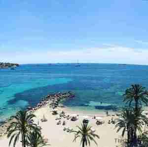 playa ses figueretes, desde el solarium de nuestro hotel