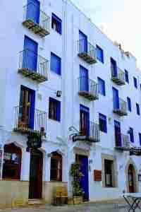 encantadoras calles de la ciudad antigua de Peñiscola