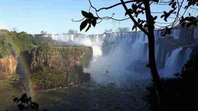 sobrecogedor las cataratas de Iguazu de la experiencia de Alba