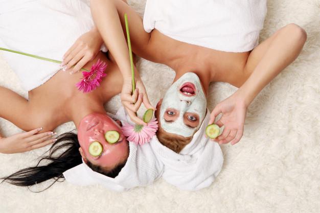 Κάντε μάσκες προσώπου με προϊόντα που έχετε στο σπίτι – Thisisus.gr