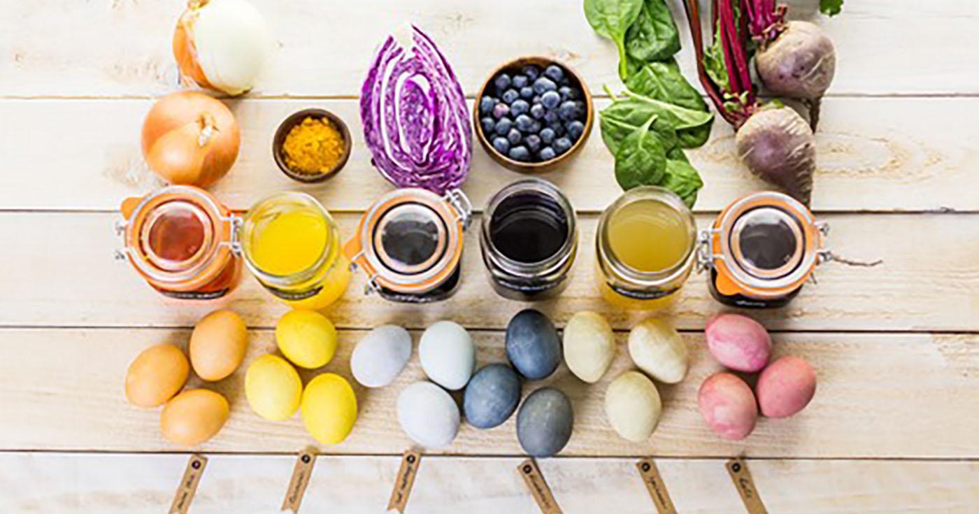 Βάφουμε τα αυγά μας με φυσικά υλικά –Thisisus.gr