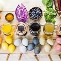 Βάφουμε τα αυγά μας με φυσικά υλικά