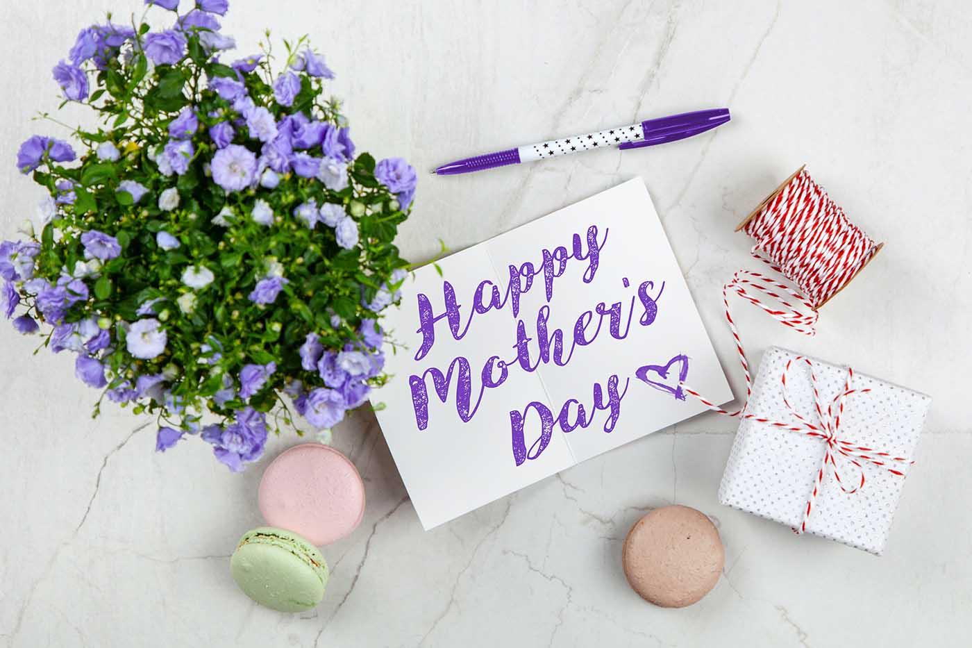 Γιορτή της Μητέρας! Χρόνια Πολλά Μαμά αλά Αγγλικά! – Thisisus.gr