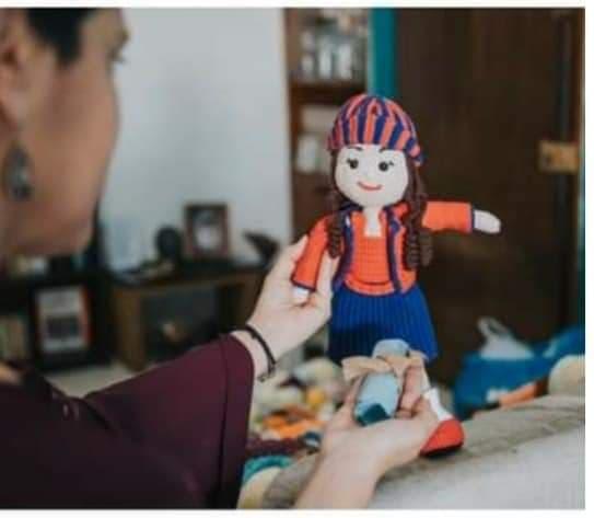 Φιλοξένησε κι ΕΣΥ μια ψυχή: η κούκλα που πάει ενάντια στην κακοποίηση – Thisisus.gr