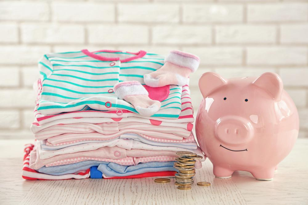 4+1 τρόποι εξοικονόμησης χρημάτων για νέους γονείς -Thisisus.gr