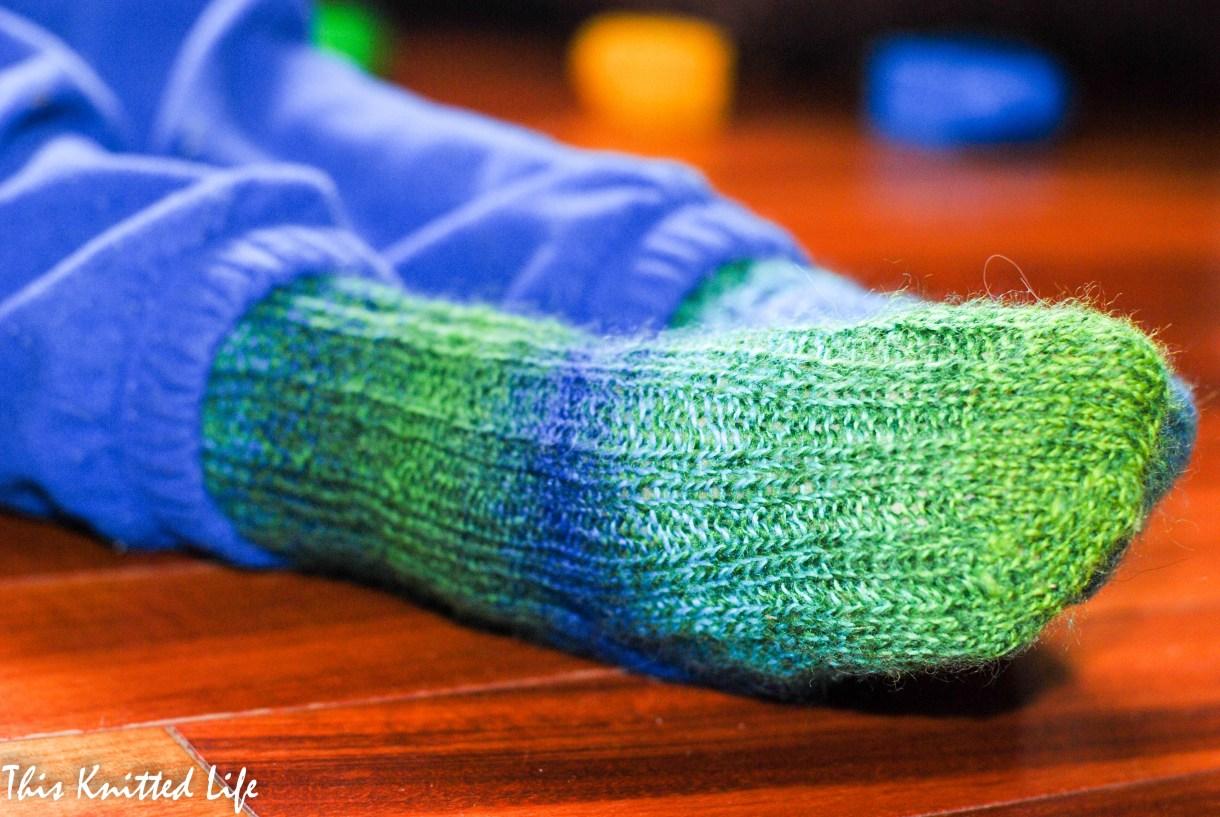 Ribbed toddler socks.