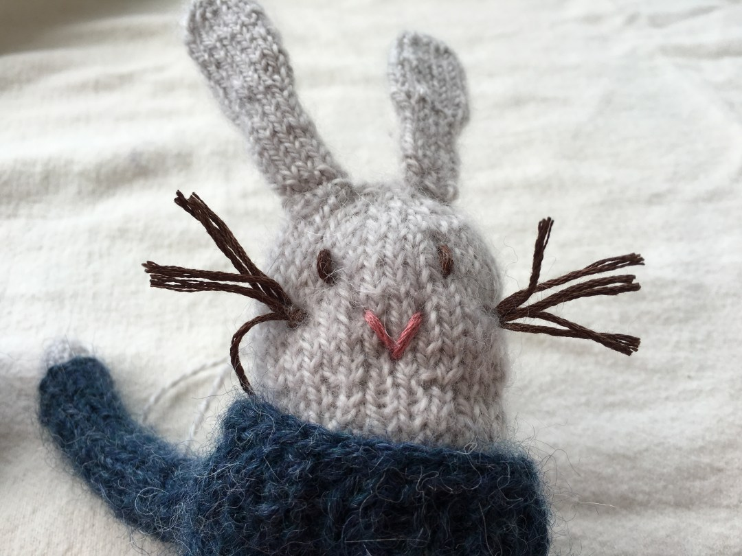 Meet Spearmint the Bunny. Free pattern.