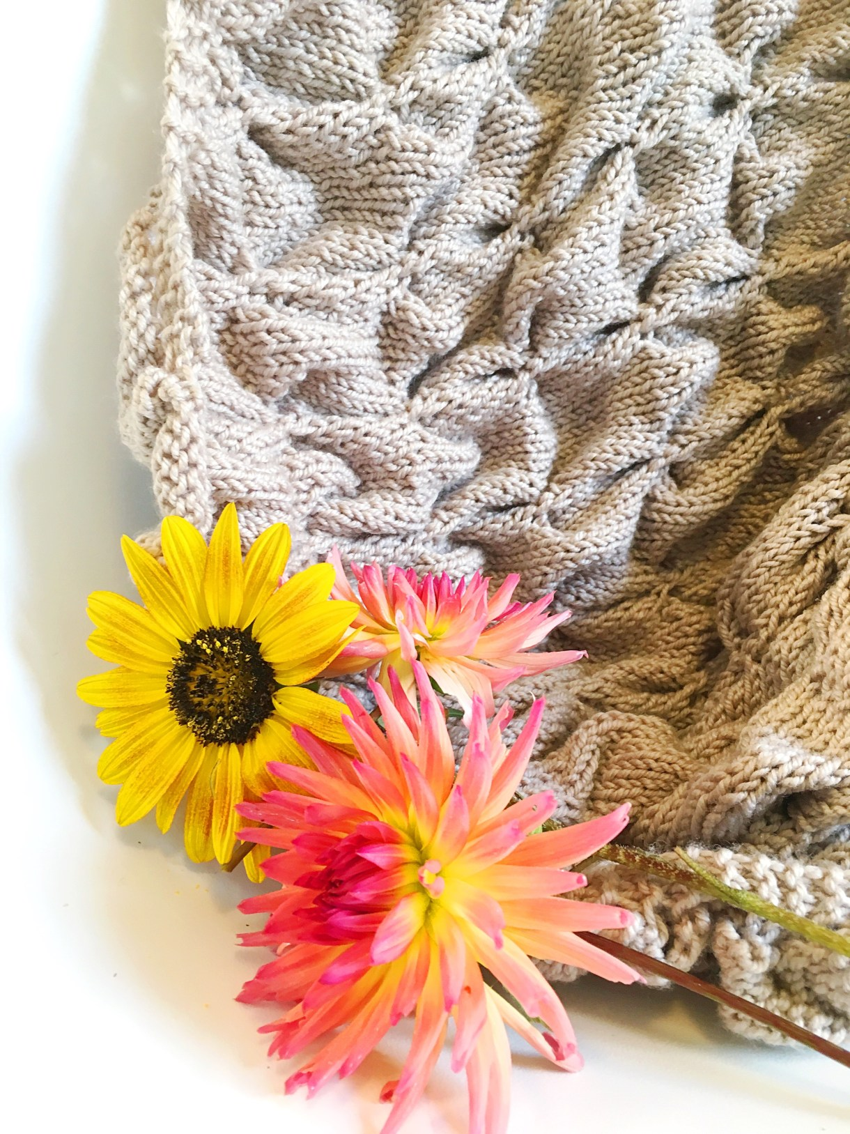 Dimensional Tuct Knitting reviewed by Andrea @ This Knitted Life