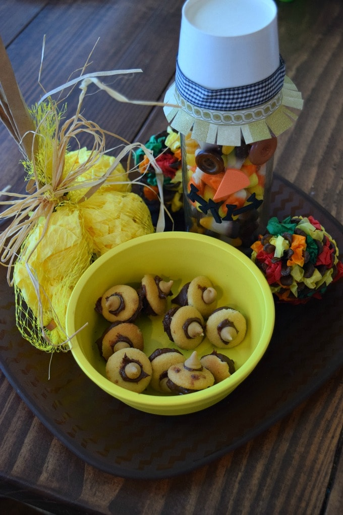 Thanksgiving Activities for Kids - Count the Candy Corn and Chocolate Acorns by This Little Home of Mine