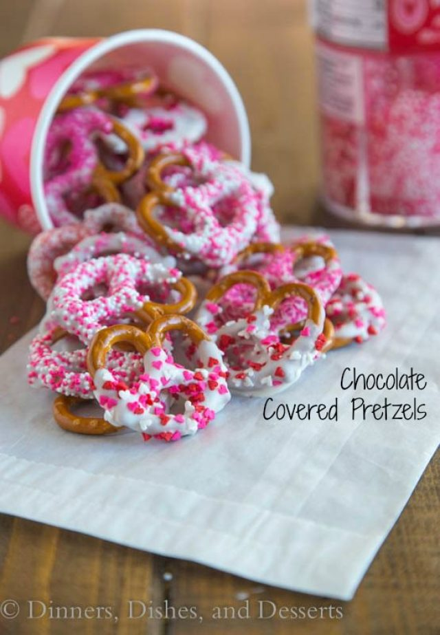 Chocolate-Dipped-Pretzels-3_labeled