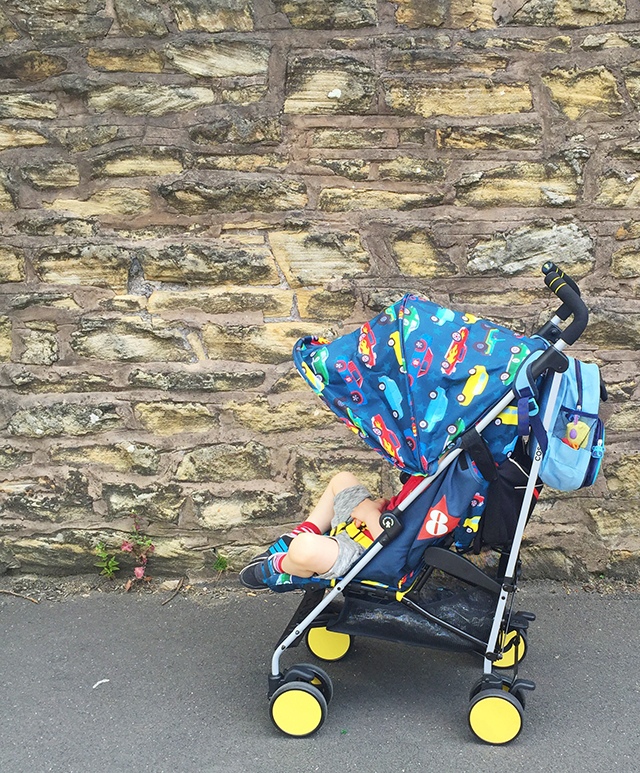Cosatto has just released a brand new stroller for the summer, the Supa Go. A streamlined stroller perfect for us on the go mamas, with lot's of little extras. We've been trying it out for the past few weeks, ready to bring you this Cosatto Supa Go Review. As always, Cosatto has introduced some amazing patterns with this range. The Supa has been out for a while in a wide range of patterns & colours, but the Supa Go is the new streamlined version perfect for getting out and about this summer.