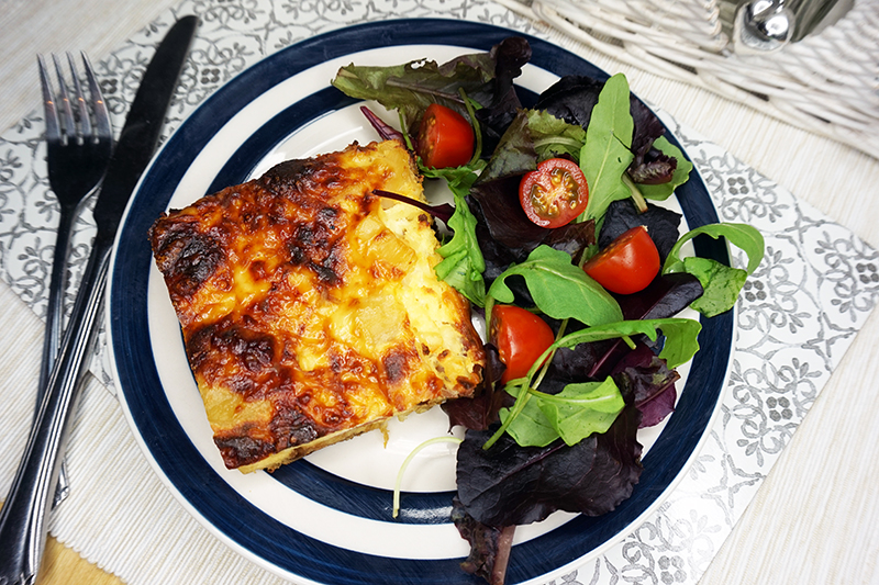Slimming World Quiche, a syn free version of the classic with a hash brown crust!
