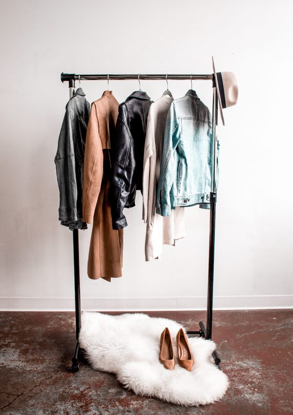 Hanging rail of clothing