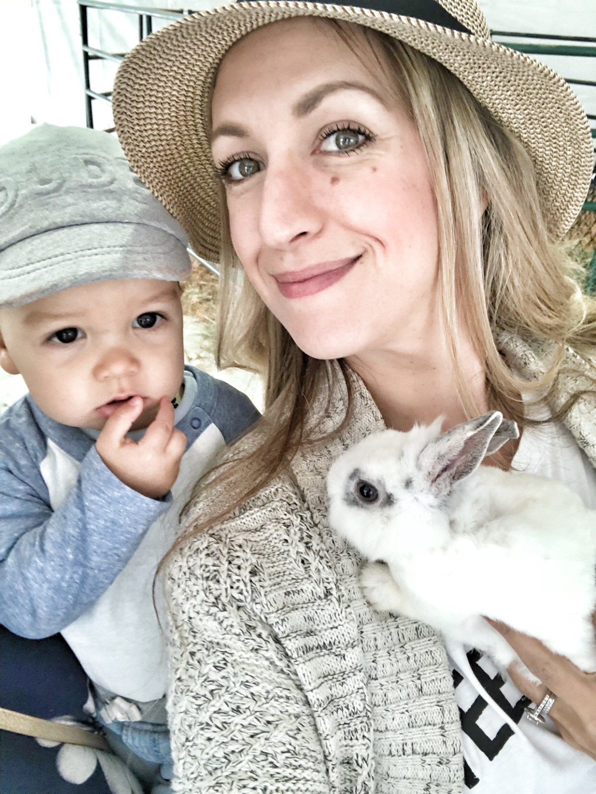mama and babe with bunny