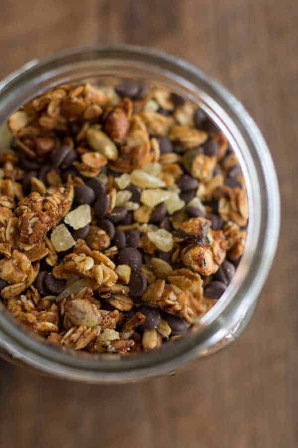 Pumpkin Bread Granola recipe on @beardandbonnet www.beardandbonnet.com