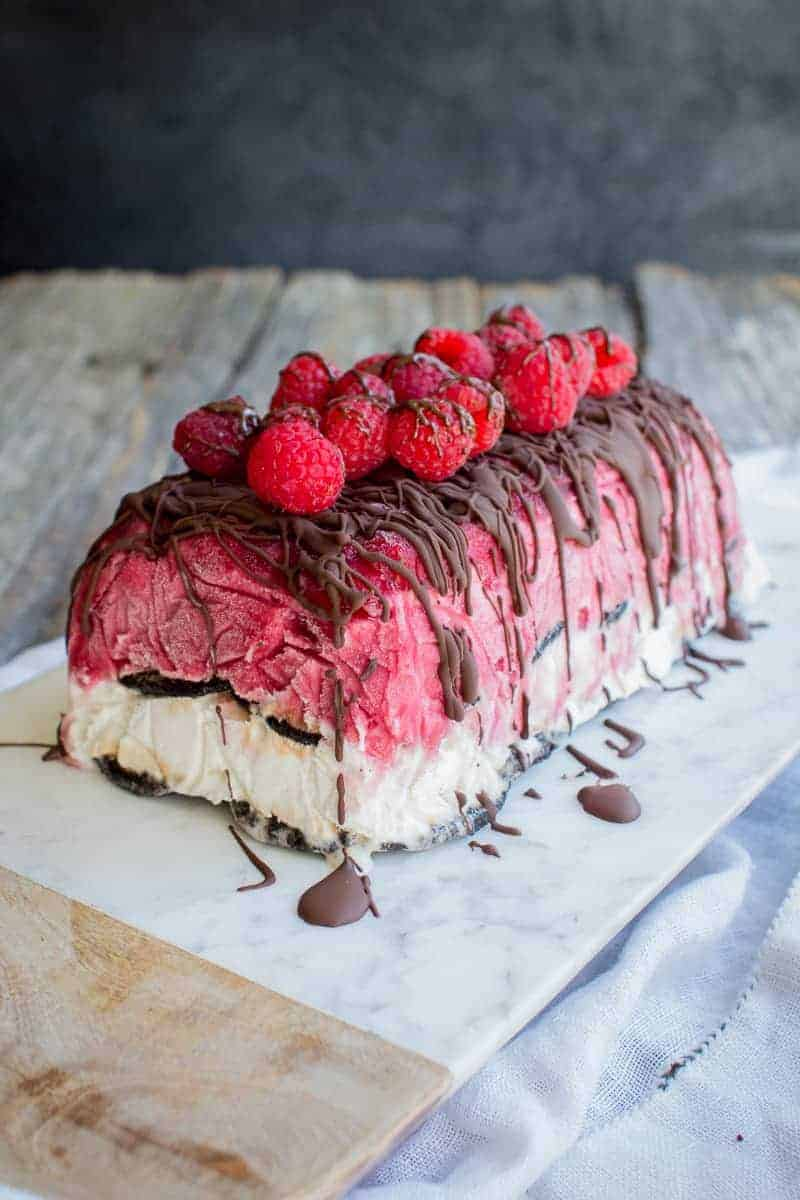 Berries and Cream Ice Cream Cake recipe with @pamelasproducts by @beardandbonnet on www.beardandbonnet.com