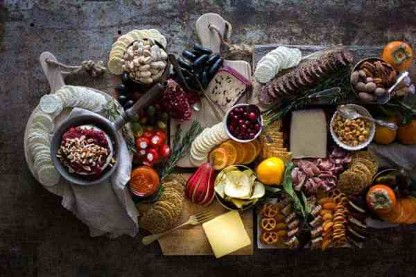 5 Tips for Building the Ultimate Holiday Charcuterie Board || Keep the cheese pairings classic! You can never go wrong with pairing flavors like apple and cheddar or chorizo and Manchego. || @gfsnacksquares #goodnessknows