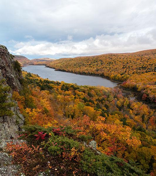 Porcupine Mountains Michigan fall color tour.