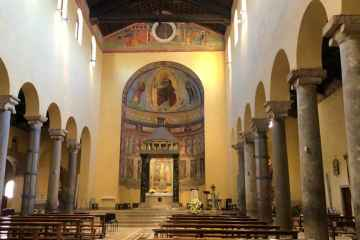 Interno basilica san saba roma