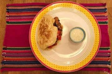 pita greca con pollo ricetta