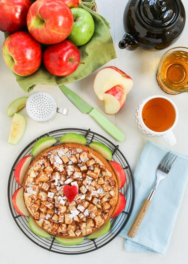 Julie Paschkis's Apple Cake 1