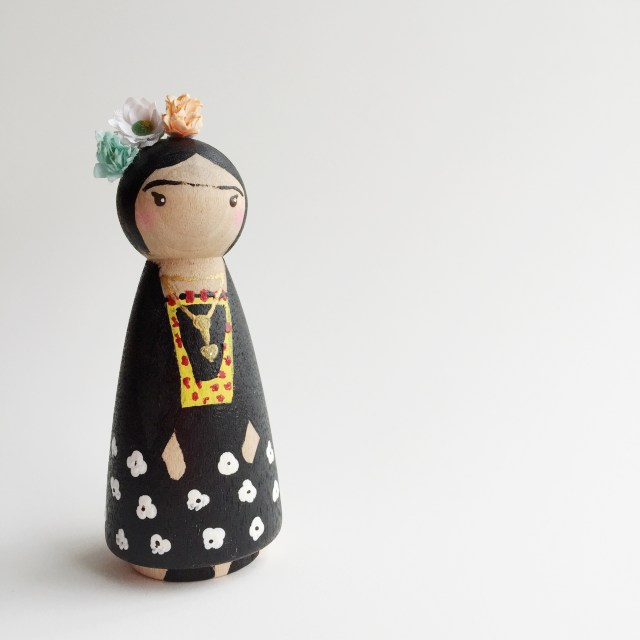 frida-peg-doll