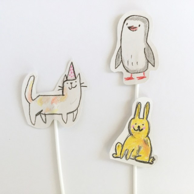 hungry-lion-cake-toppers