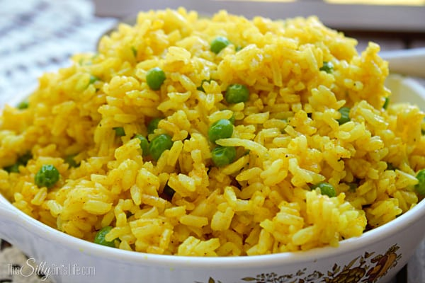 Yellow Rice with Peas recipe #STAROliveOil #shop #cbias