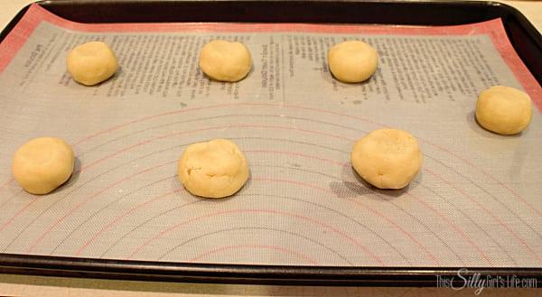 Lemon Cream Glazed Chewy Sugar Cookies, simple chewy sugar cookies coated in a thick lemon cream cheese glaze. Sweet and tart, like the perfect lemonade!
