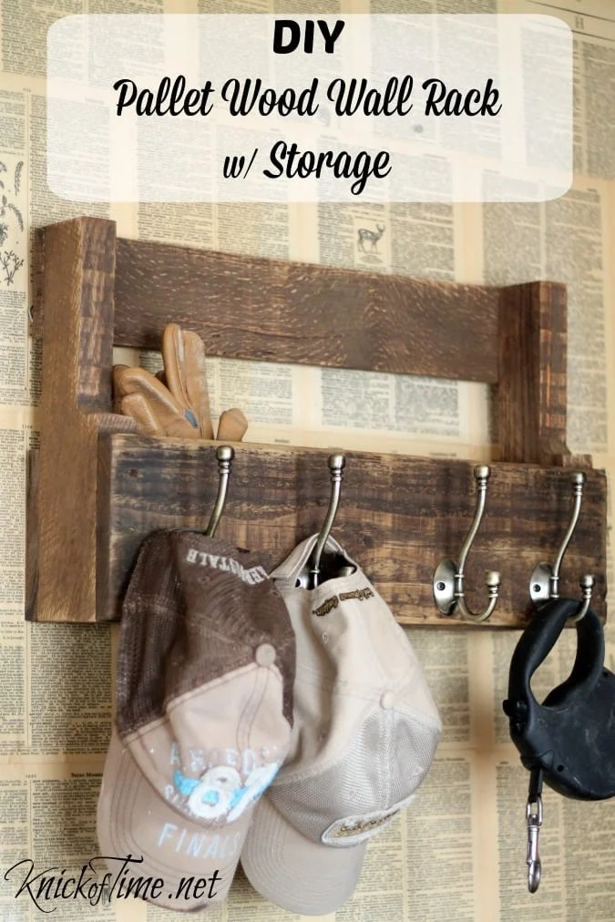Pallet-Wood-Wall-Storage-Rack-via-KnickofTime.net_