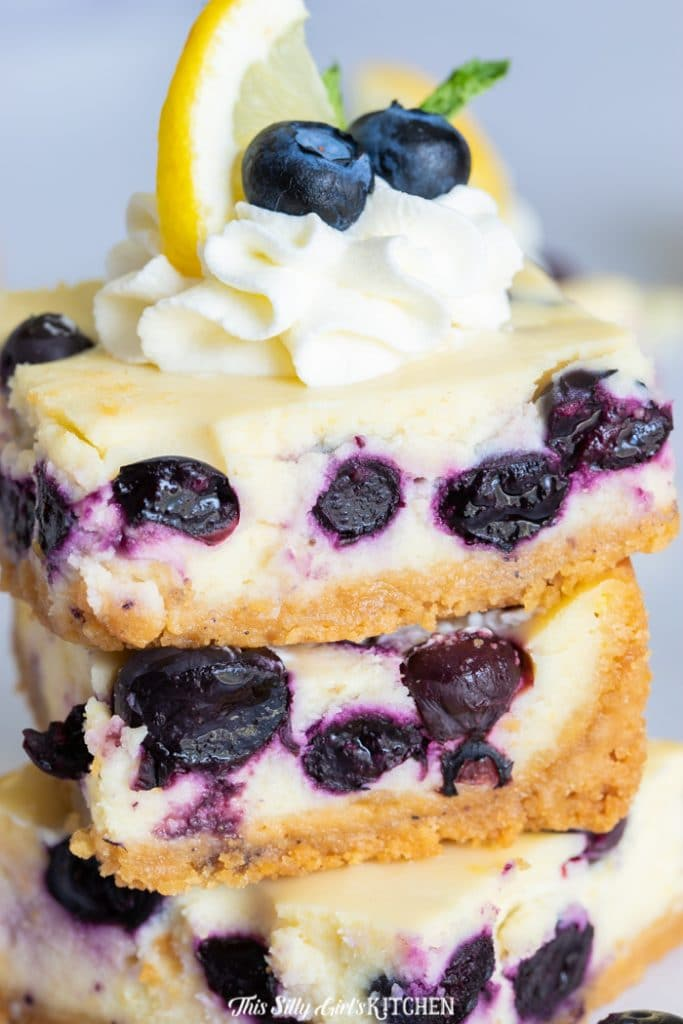 extreme close up cheesecake bars