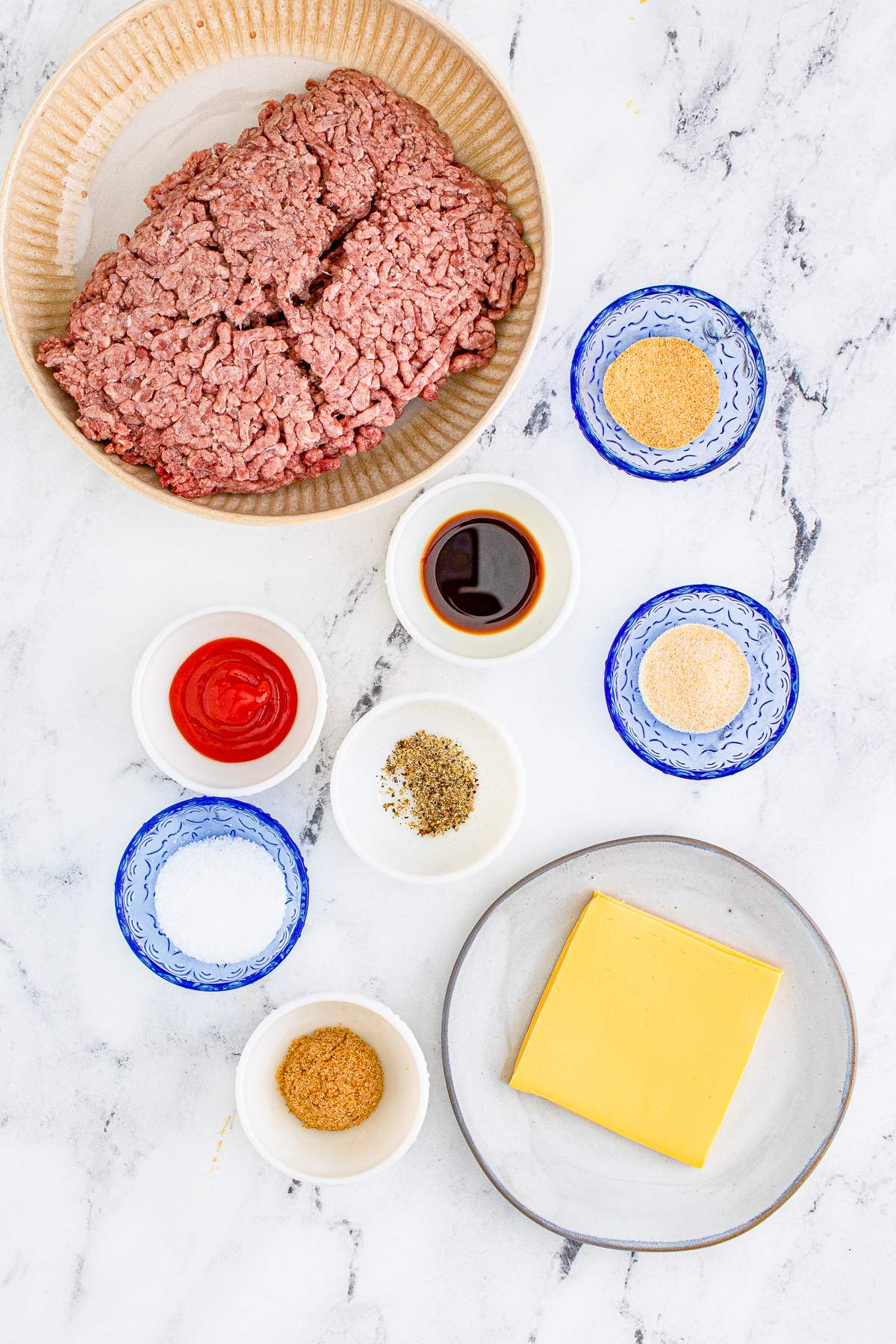 Ingredients needed to make a Cheeseburger