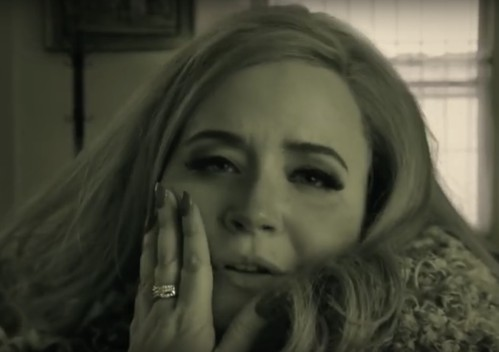 Adele Saves Thanksgiving From Racism In Hilarious Saturday Night Live Skit