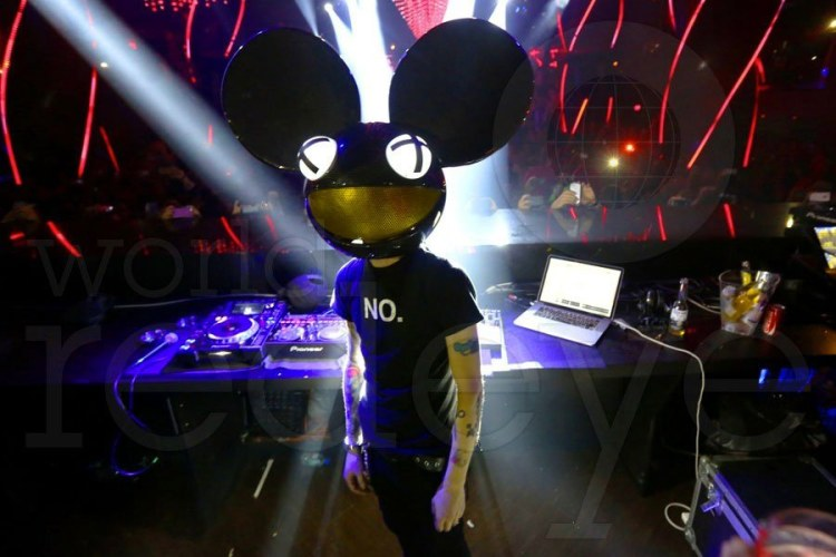 Deadmau5 set to team up with Capitol Music Group for a Hollywood studio that will be broadcasting constant video Live Streams