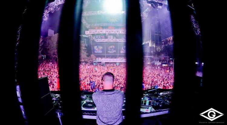 DJ Snake - Ultra Music Festival 2014 Live Set : Massive Set Filled with Unreleased Music [Free Download]