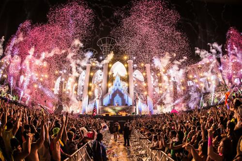 """Experience EDC In The New """"Under The Electric Sky"""" Movie"""