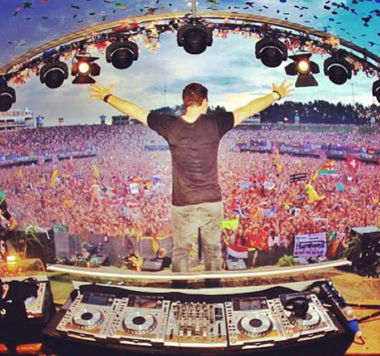 Hardwell at TomorrowLand 2013 Full Live Set with Must See Video