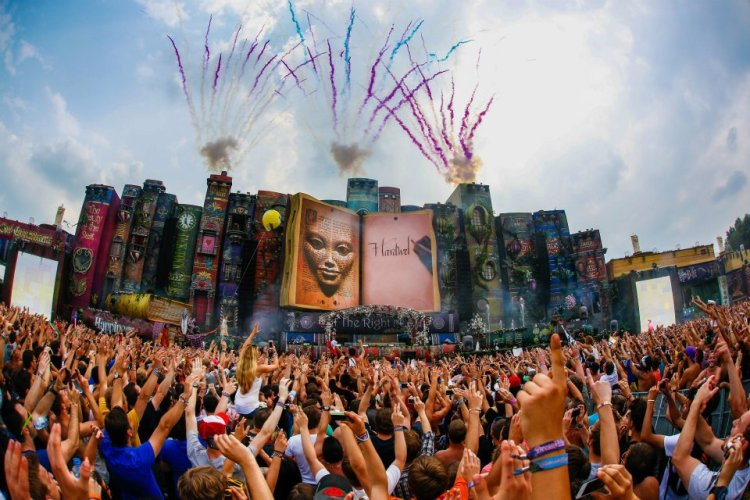 TomorrowLand Music Festival 2012 Day 3 Live Streaming Ft. Afrojack