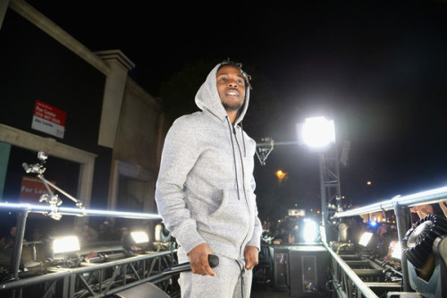 Watch Kendrick Lamar's Entire 50 Minute Concert On A Moving Truck In LA Followed By Fans