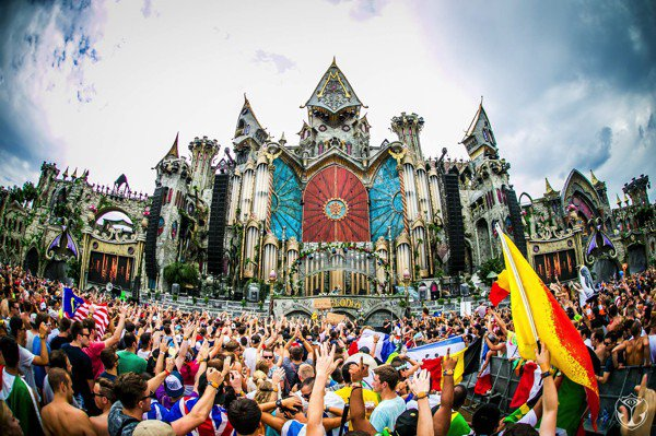 [WATCH NOW] Tomorrowland 2015 Live Video Streaming Day 1 Over 4 Stages