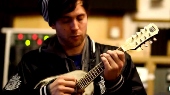 """Watch: Pretty Lights produced his own vinyl records then sampled them for his new album """"A Color Map of the Sun"""" including new track [VIDEO]"""