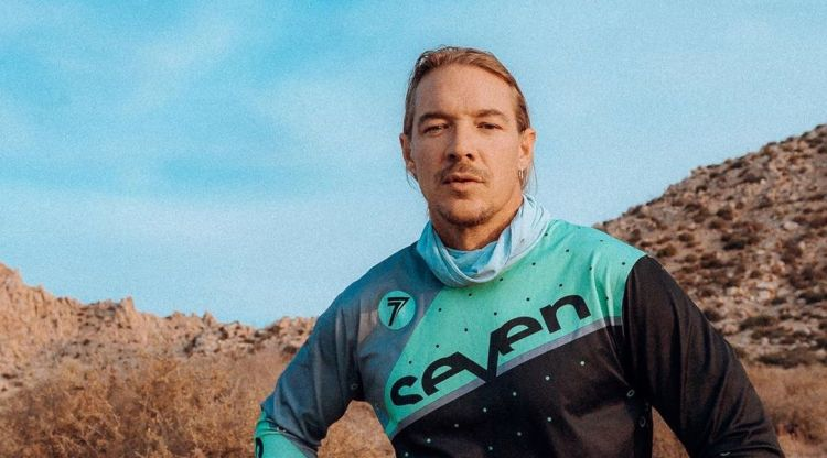 Watch Diplo Throw Down A Deep House Set From Joshua Tree