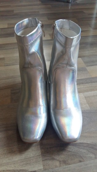 asos-irridescent-rainbow-silver-boots-4