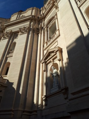 Statue outside St Peters Basilica