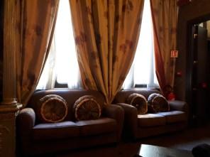 Hotel Antica Dimora del Cinque Lune Rome lounge area
