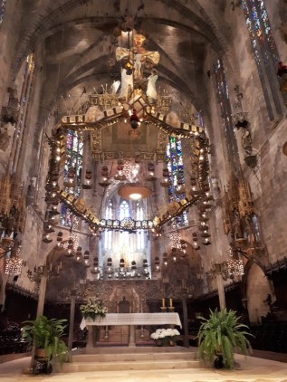 Inside Palma cathedral 4