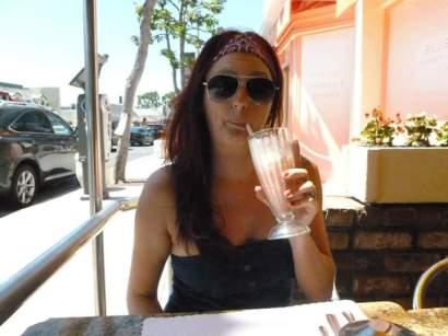 breakfast-milkshake-at-mels-diner